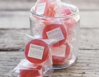 マークスアンドウェブ 自然な色と香りにこだわった「桜」のソープ